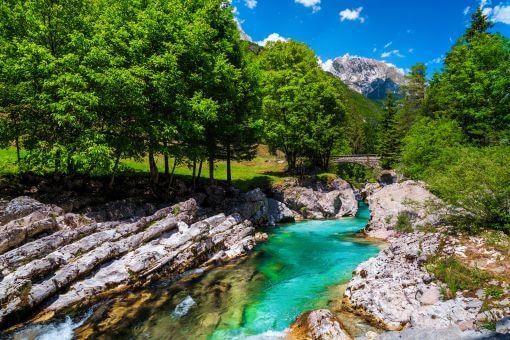 Emerald green River Soca