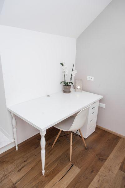 Apartment Bled View desk