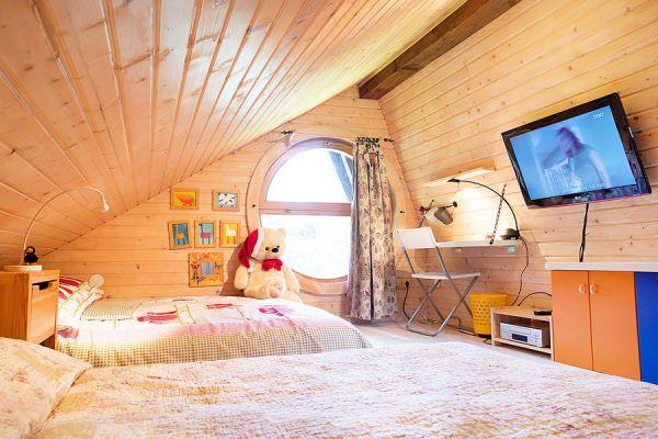 Loft bedroom (Cernic One)