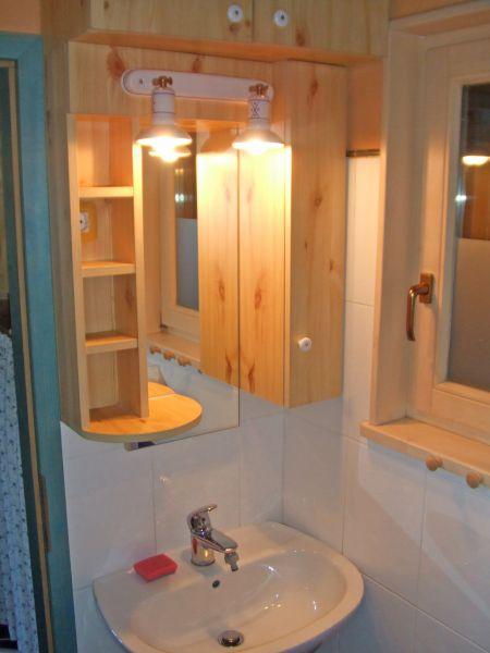 Bathroom (Cernic Two)
