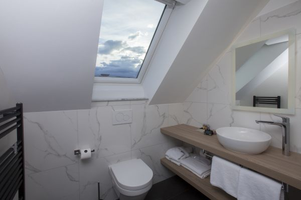 Double bedroom Rose - ensuite bathroom