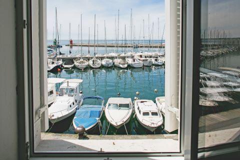 Harbour view (apartment 1)