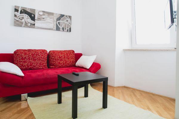 Sitting area (apartment 1)