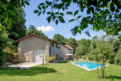 Milkman's Farm Villa near Podgrad