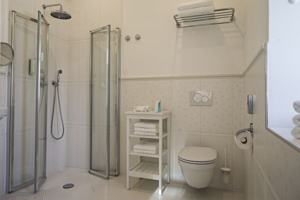 Apartment one bathroom