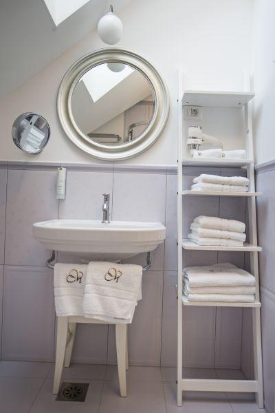 Apartment six bathroom