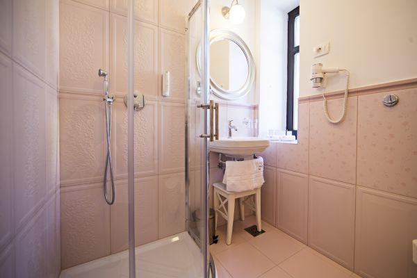 Apartment two bathroom